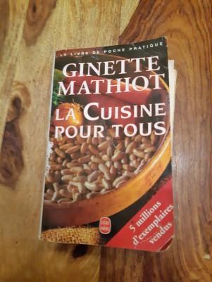 La cuisine pour tous, de Ginette Mathiot, en Livre de Poche