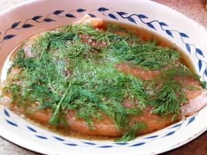 le filet de saumon a rendu beaucoup d'eau